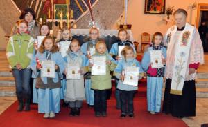 Dzieci Maryi parafii Matki Bożej Nieustającej Pomocy wMogilnie